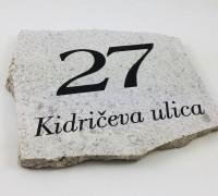 tisk na kamen hišna številka
